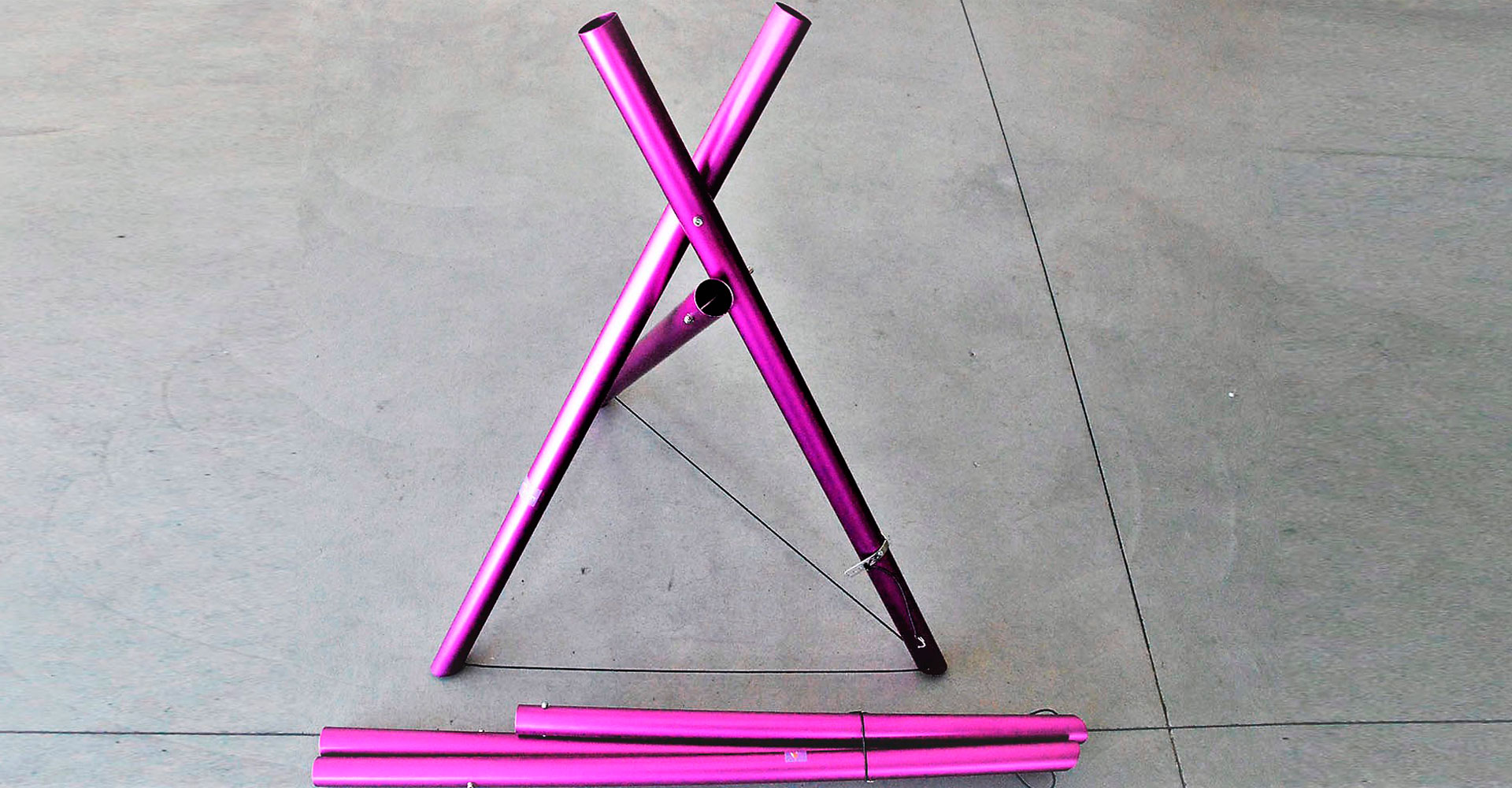 """Art 106 – Coppia cavalletti """"magici"""" colorati"""